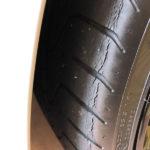 ランボルギーニ・ウラカンのフロントタイヤ交換を行うことを決定。認証タイヤにて交換費用13万円くらい(の予定)