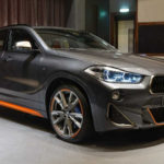BMWアブダビが一般には納車が始まっていないX2のトップグレード「M35i」を早速カスタム!グレーにチタンカラー、オレンジの個性派モディファイ