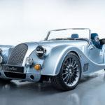 え?これが2019年の新車?モーガンが19年ぶりに新型車「プラス6」を公開。木製フレームにスープラと同じ直6エンジン、8速ATを積み、加速はスープラ以上