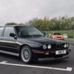 """【動画】中古価格は2000万円以上!E30 BMW M3""""スポーツエボリューション""""はこんなクルマ"""