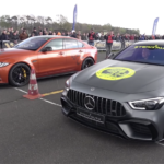 【動画】4ドアなのに2シーター。ジャガー史上最強最速の「XEプロジェクト8」がドラッグレースでメルセデスAMG GT 4ドアと対決すると?
