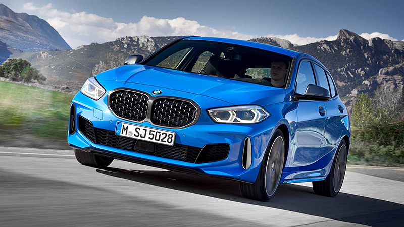 新型BMW 1シリーズ発表!M135iは302馬力、0-100キロ加速はポルシェ718ケイマン並み。FFベースとなるもそのパフォーマンス、利便性は大きく向上