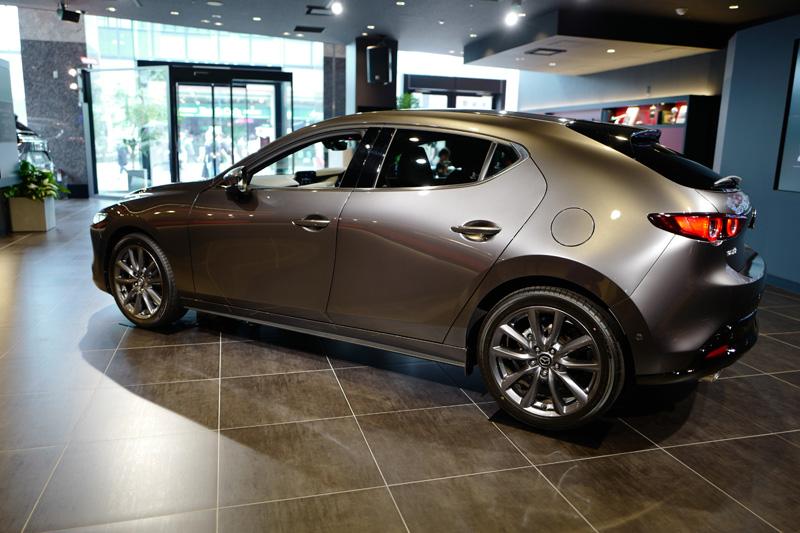 新型「マツダ3」を見てきた!内外装は一気にプレミアム感が増して「ちょっとした高級車」。デザイン面でも現在「世界の最先端」を走っている