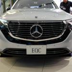 """【動画】メルセデス・ベンツ初の量産EV、""""EQC""""を見てきた!思っていたよりもシャープでスタイリッシュだった"""
