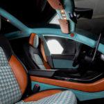 テスラ・モデル3の内装がレトロになったッ・・・!EVなのに昔風な内装カスタムを施したチューナーが登場