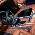 BMW X7はフラッグシップなのにプラスチック然とした内装が我慢できん!チューナーが独自の「フルレザー仕様」を公開