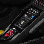 """ランボルギーニが「アマゾン・アレクサ」をフルに搭載する""""初""""の自動車メーカーに!アマゾンはBMW、FCAとも提携を行い自動車産業へと進出"""