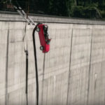 【動画】これは絶対にやりたくない!「クルマに乗ったままバンジージャンプ」by トップギア