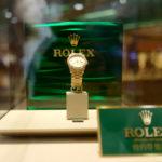 ボクは迷っている!株の値上がり益で「高価な300万円くらいの腕時計をドカンと一本」買うか、数十万円の腕時計を5-6本一気に買うか