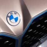 BMW「EVであってもキドニーグリルを廃止する気はない。絶対にだ」。なぜそこまで巨大グリルに執着するのか