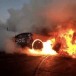 【動画】ドリフトイベントでランボルギーニ・ウラカンが派手に爆発炎上!ここまで見事にドカンといったのは見たことない!