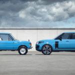 レンジローバーが「50年前の初代」をイメージした限定モデル「フィフティ」を発表!当時をイメージしたブルーそしてベージュが設定され特別感を盛り上げる