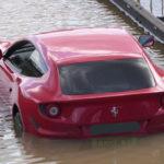 ロンドンでフェラーリが水没被害。どういった車両保険であれば水没をカバーできるのか?