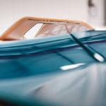 """ランボルギーニが""""シアンFKP37ロードスター""""と思われるティーザー画像を公開!ランボルギーニには珍しいライトブルー?"""