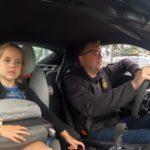 【動画】小さな娘をチャイルドシートに乗せてニュルをアタックする父親!ポルシェ718ケイマンでカレラGTを追いかける