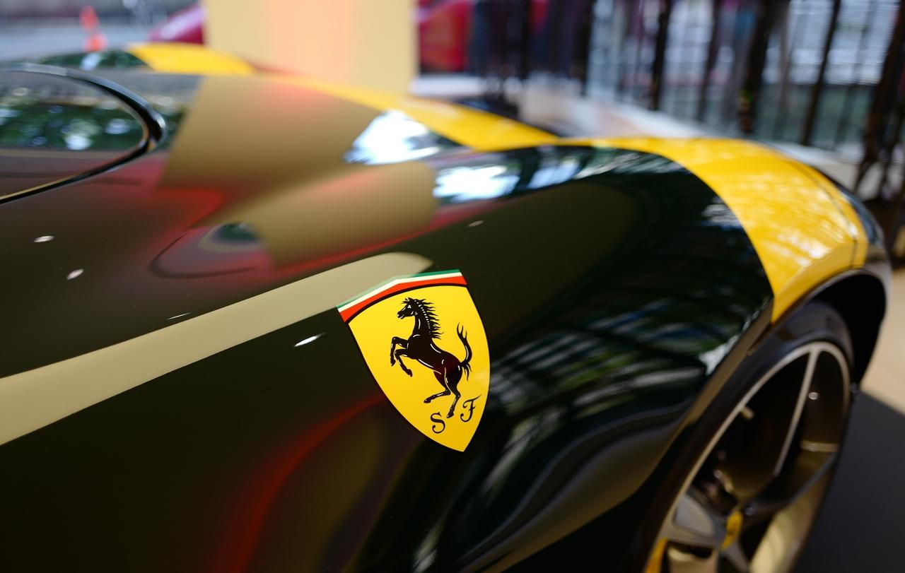 フェラーリのエンブレム