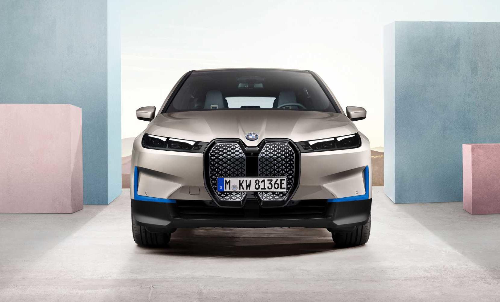 BMW ix発表