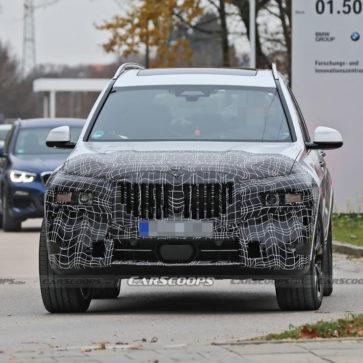 マイナーチェンジ(フェイスリフト)版BMW X7