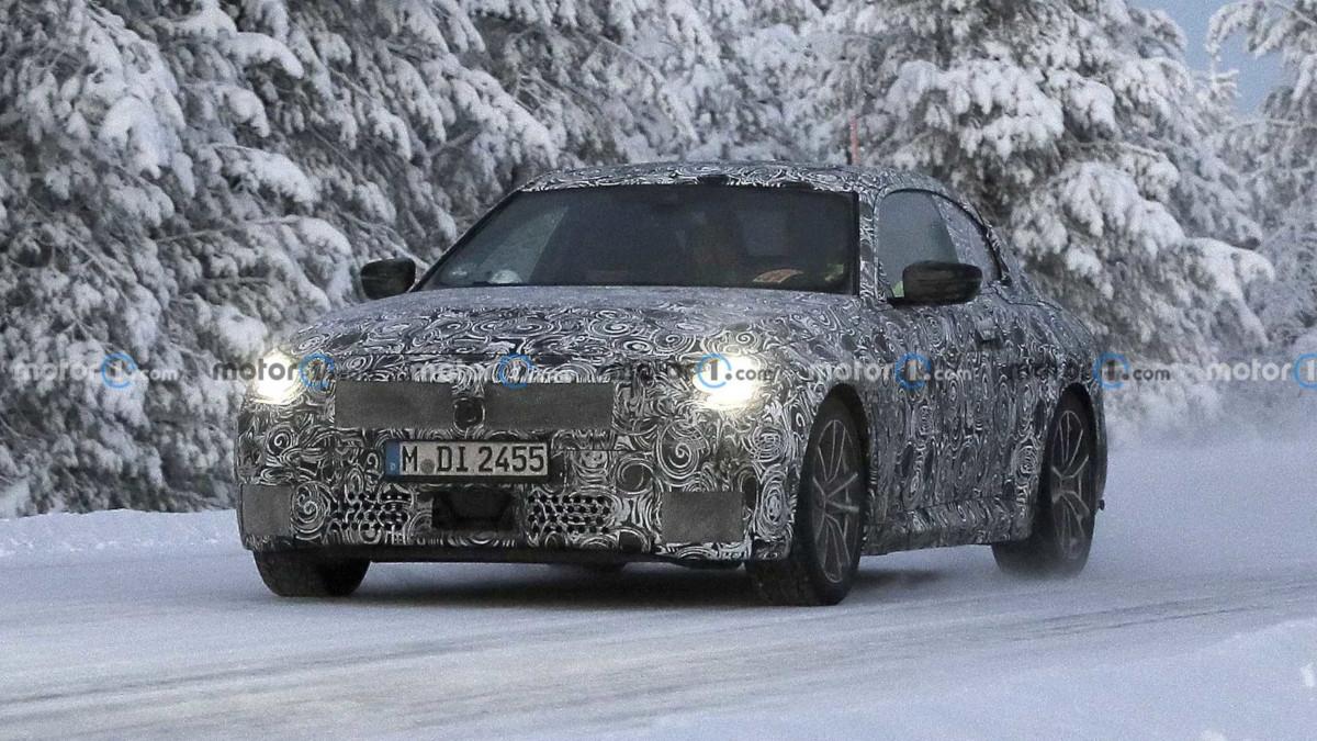 新型BMW 2シリーズのスパイフォト