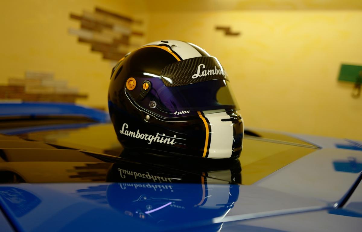 ランボルギーニ仕様のヘルメット(アライ)
