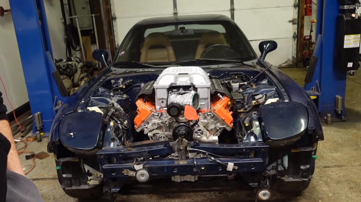 マツダRX-7のエンジンスワップ(V8)