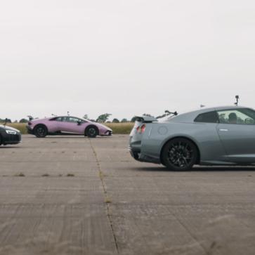チューンドGT-Rが同じ4WDレイアウトのランボルギーニ・ウラカン、アウディR8と加速を競う