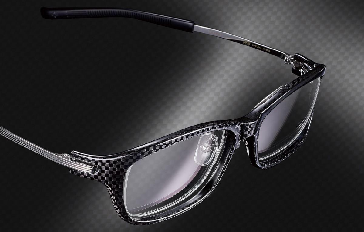 999.9の発売する、カーボンファイバーとチタン製メガネ(サングラス)