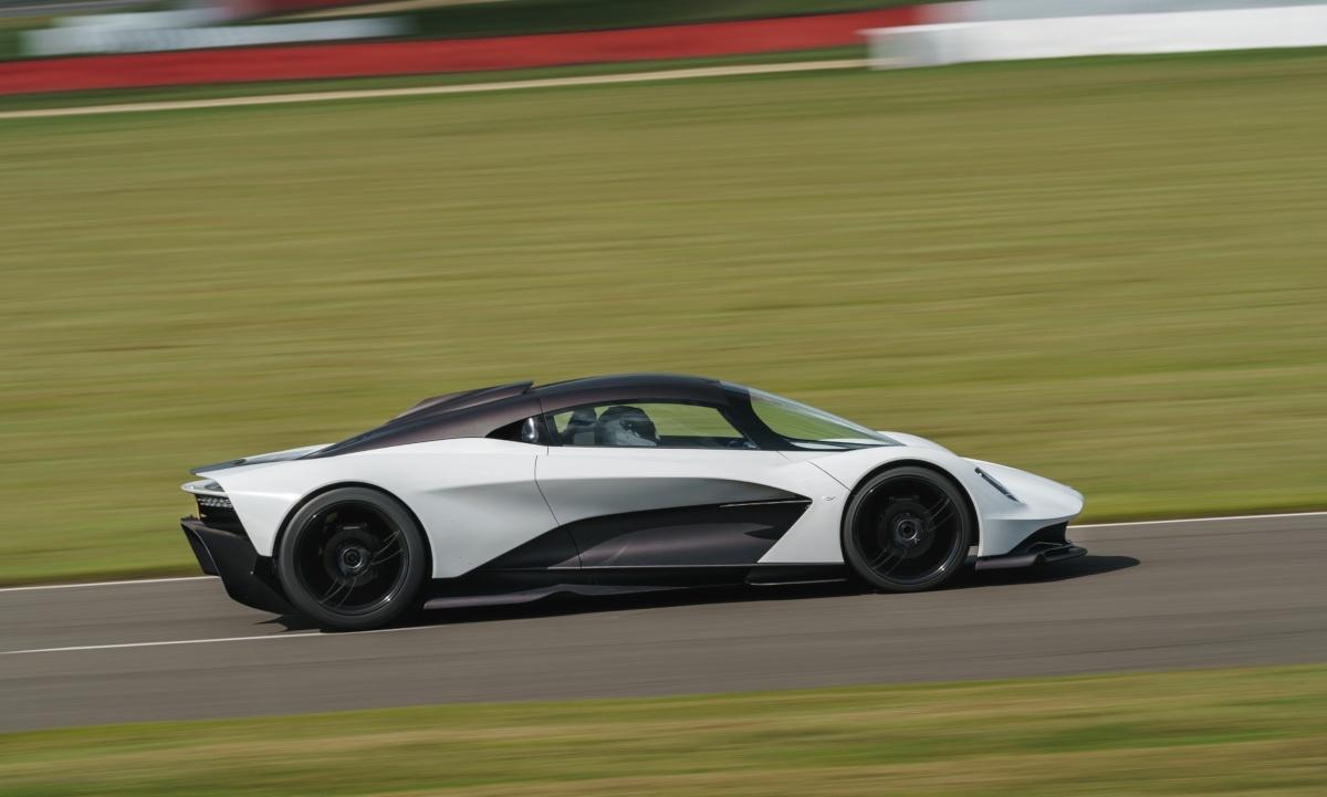 アストンマーティンの新型ハイパーカー「ヴァルハラ」のエンジンが自社製V6からAMG製へ