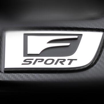 レクサスが突如「謎のF Sport」ティーザー画像を公開