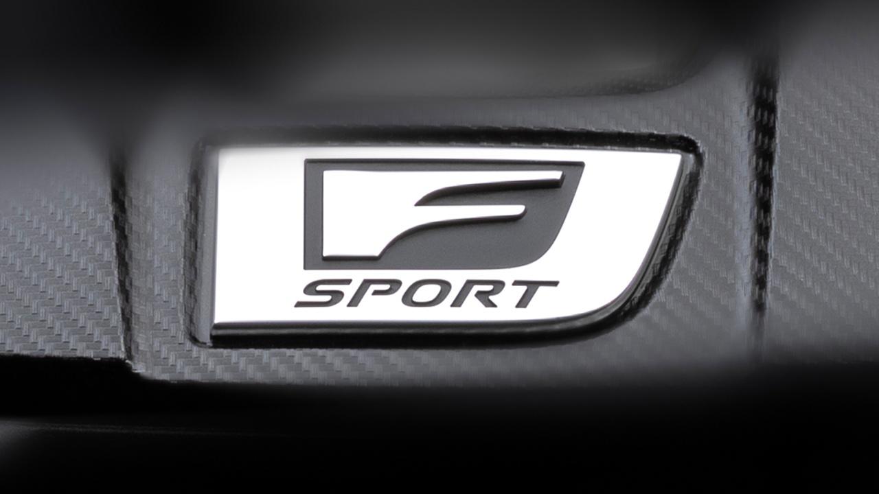 レクサスが新型「F Sport」のティーザー画像を公開