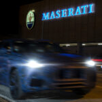 マセラティが新型SUV「グレカーレ」のティーザー画像公開