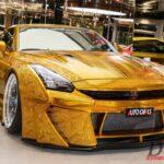 ドバイにて「金ピカ」GT-R販売中