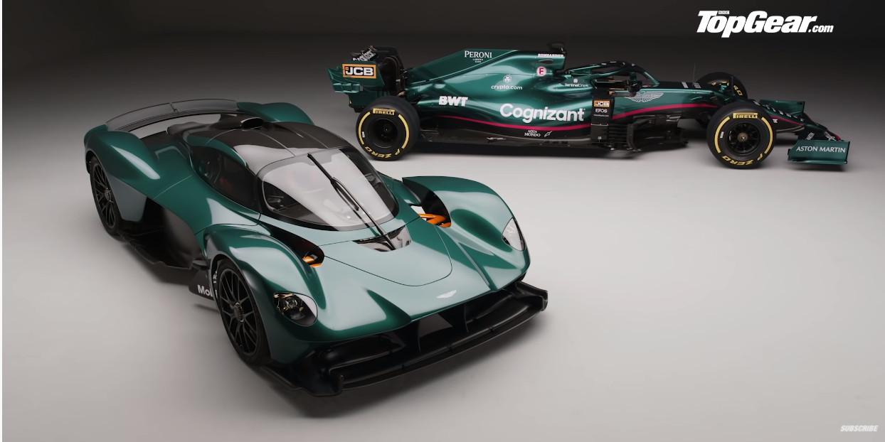 アストンマーティンがAMR21発表、同じカラーのヴァルキリーも公開