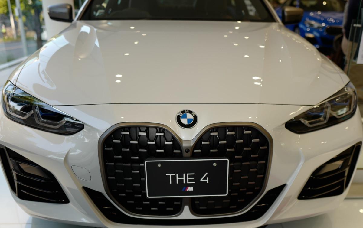 BMW 4シリーズの巨大キドニーグリル