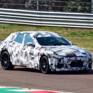フェラーリのSUV、プロサングエ