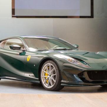フェラーリ純正カスタムが施された812スーパーファスト