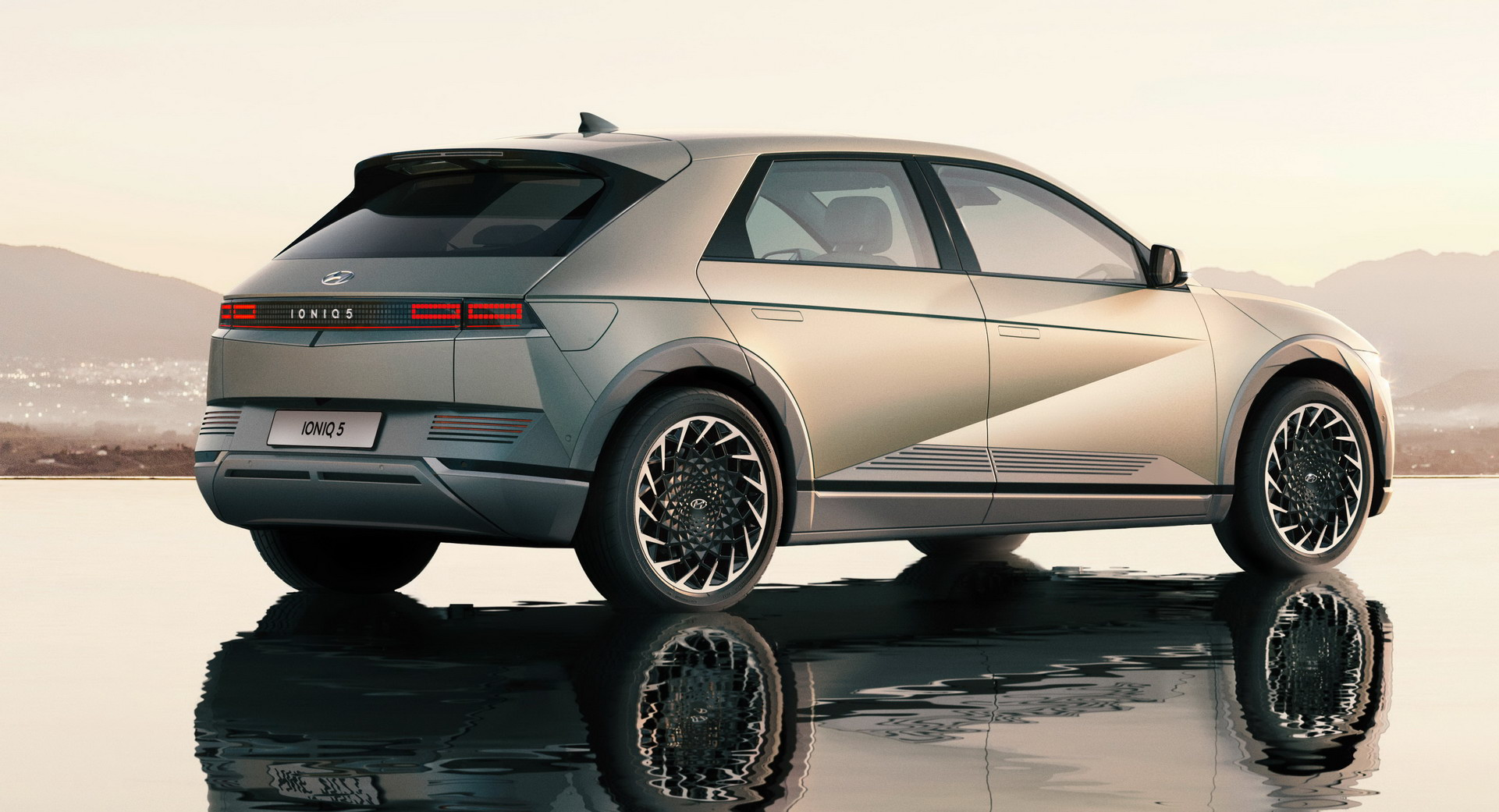 ヒュンダイの新型EV、アイオニック5がなんと発表初日に完売