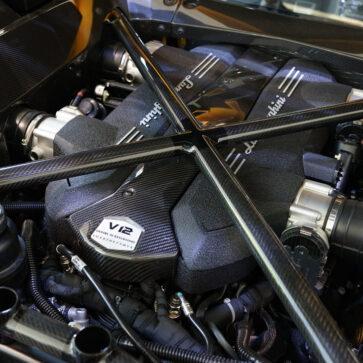 ランボルギーニのV12エンジン