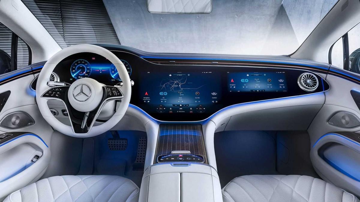 メルセデス・ベンツが新型EQSの内装を先行公開