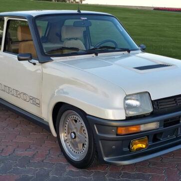 80年代の変態車「ルノー5ターボ2」にマツダの13Bロータリーエンジンをスワップした上級変態車が販売中