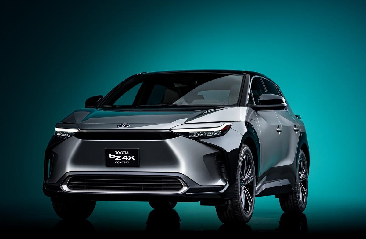 トヨタが新型EV「bZ4x」公開