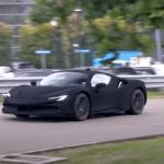 フェラーリが謎のSF90ストラダーレをテスト中