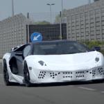 ランボルギーニ・アヴェンタドールの最終モデル「SJ」と見られる試作車が走行中