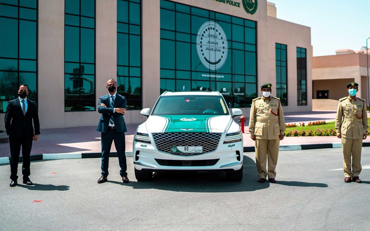 ドバイ警察がジェネシスGV80をパトカーとして導入