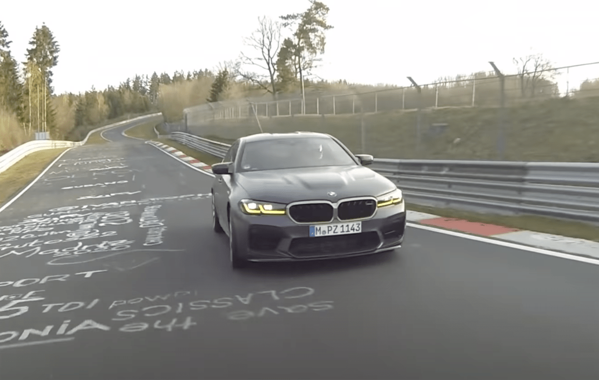 BMW M5CSがニュルを7分29秒で周回