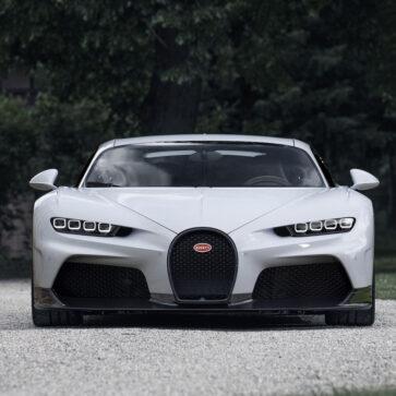 ブガッティが60台限定の新型車「シロン・スーパースポーツ」発表
