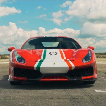 マクラーレン720Sとフェラーリ488ピスタ「ピロティフェラーリ」とのドラッグレース