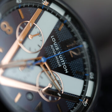ルイ・ヴィトンの腕時計「タンブール ダミエ コバルトV クロノグラフ46」を買った