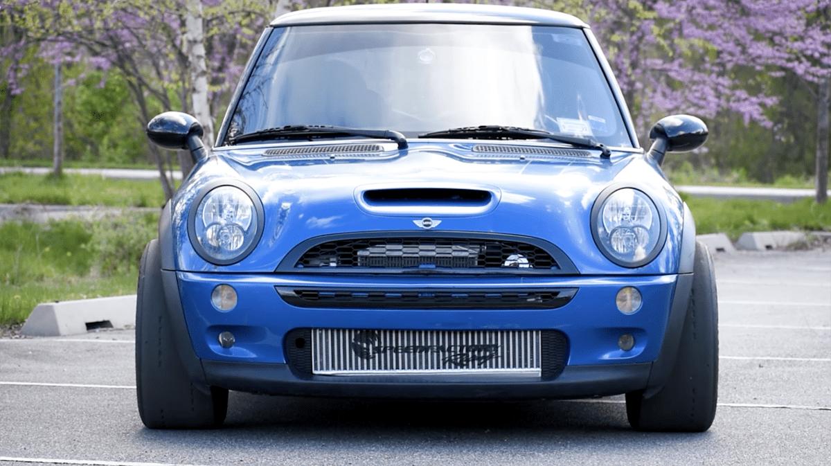 R50ミニクーパーにホンダ製エンジン+CR-Vの4WDシステムをブチ込んだ男が登場