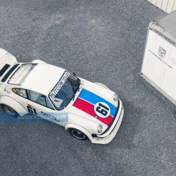 コレクターの間では知られた個体なるも競売に登場するのは初!セブリングの予選を1位で通過した1977年製ポルシェ934/5